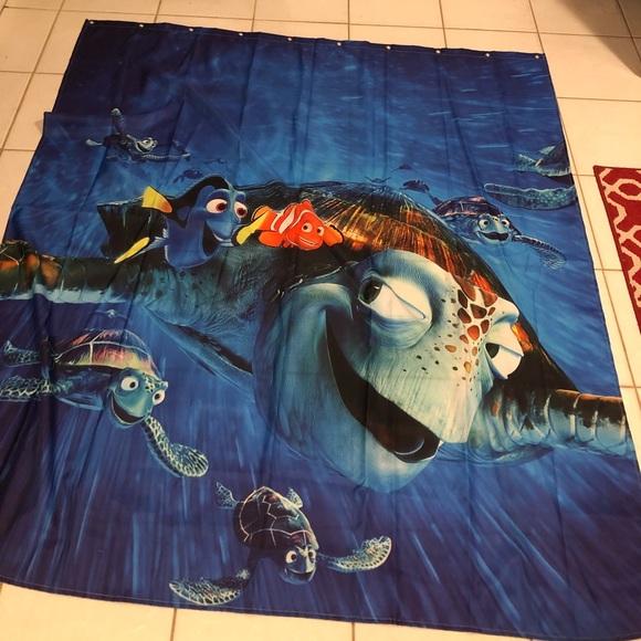 Finding Nemo Shower Curtain M 5b4e8feb42aa76a63d744013